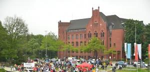 Karnevalsdemo: Noch viele Konflikte in Wilhelmsburg | Mittendrin | Das Nachrichtenmagazin für Hamburg-Mitte