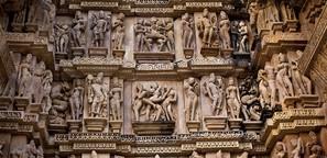 In den Erotik-Tempeln von Khajuraho