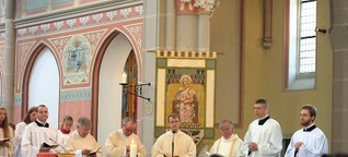 Matthias Peus feiert seine erste Heilige Messe