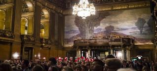"""Protest fur """"Lampedusa in Hamburg"""" im Rathaus"""