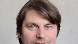 """Rechtsextremismus-Experte Andreas Speit: """"In der rechten Szene wird über Militarisierung diskutiert"""""""