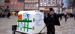 In Holzschuhen zum Bauernprotest nach Berlin