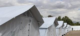 Zeltstadt an der Autobahn: ein Zuhause für Asylsuchende?