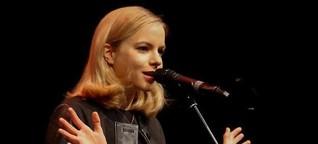 Julia Engelmann stürmt und drängt im Fritz-Henßler-Haus