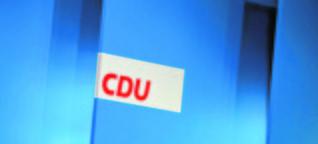Parteitag in Karlsruhe: Merkels Kampf um Geschlossenheit