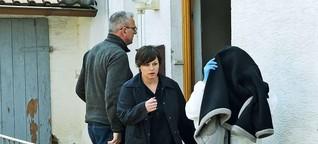 Polizei mit Verdächtiger in Höxter | Ortstermin im Horror-Haus