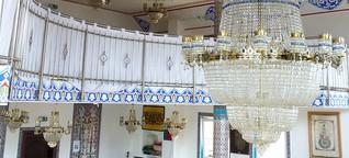 Die Moschee im Dorf lassen