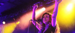 Facettenreiche Geschichtenerzählerin: Namika gibt umjubeltes Konzert in der Halle neun in Ingolstadt