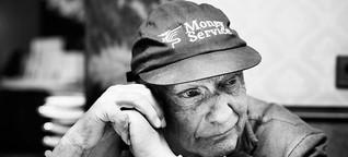 """Niki Lauda: """"Ich fahre nicht gerne Auto"""" - Im Interview mit Niki Lauda sprachen wir über das Jahr 1976, die Rivalität zu James Hunt und warum er seinen eigenen Unfall """"Barbecue"""" nennt"""