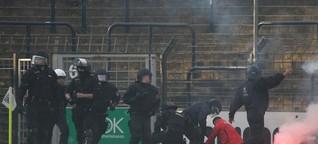Randale beim Spiel Babelsberg gegen Cottbus: Hitlergruß und Platzsturm: Zehn Energie-Fans festgenommen - Neueste Nachrichten aus Potsdam
