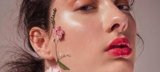 Jelly-Lippenstift und blaue Augen: So stylen wir uns dieses Jahr!