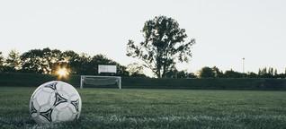 Männer, der Fußball gehört euch nicht!