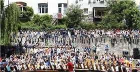 Das Stocherkahnrennen (Schwäbisches Tagblatt 27.05.16)