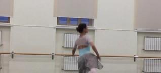 Eine russische Ballerina am Anfang ihrer Karriere