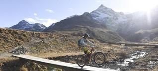 Den Gorilla machen beim Mountainbiken im Engadin | NZZ