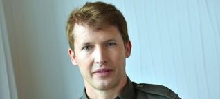 James Blunt verwandelt Mercedes-Benz-Arena in ein Wohnzimmer