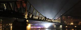 Zwischen Raclette und Sicherheitszone - so feierte Frankfurt Silvester