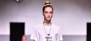 Kommentar zu Protestklamotten: Warum ein T-Shirt euch noch nicht zu Feministen macht