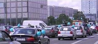 Deniz Yücel: Ein Autokorso zum Geburtstag