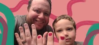 So emotional verteidigt ein Vater die lackierten Fingernägel seines Sohnes