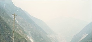 Yan Wang Preston: Mother River (review)