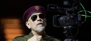 Weltpremiere von 'Just call me God': John Malkovich wird in Elbphilharmonie zum Diktator