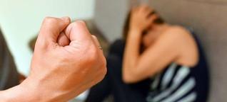 Frauen werden an Weihnachten besonders oft geschlagen