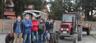 Protest: Aixheimer Schüler fahren mit Traktor