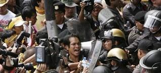 L'opposizione attacca il governo, il premier risponde con l'Esercito