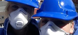 Schüler auf historischer Baustelle | NDR