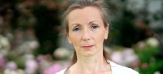"""Anna Burns und ihr Roman """"Milchmann"""": Wer Aufmerksamkeit erregt, lebt gefährlich"""