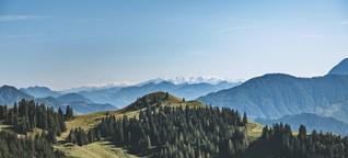 Hinter den Bergen: Was es bedeutet, wenn plötzlich halb Österreich wandern geht - BAM!