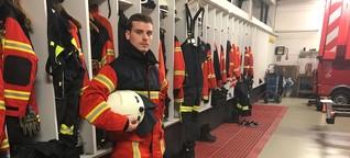 Tim Müller, 25, Feuerwehrmann, hält im Löschfahrzeug Abstand - DER SPIEGEL - Panorama