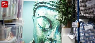 Mit Buddha und Leuchte