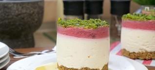 Erdbeer Rhabarber Eierlikör Quark Törtchen Dessert